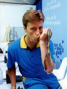 Jan-Ove Waldner Bordtennis Med sin medalj från OS i Barcelona i Spanein  1992
